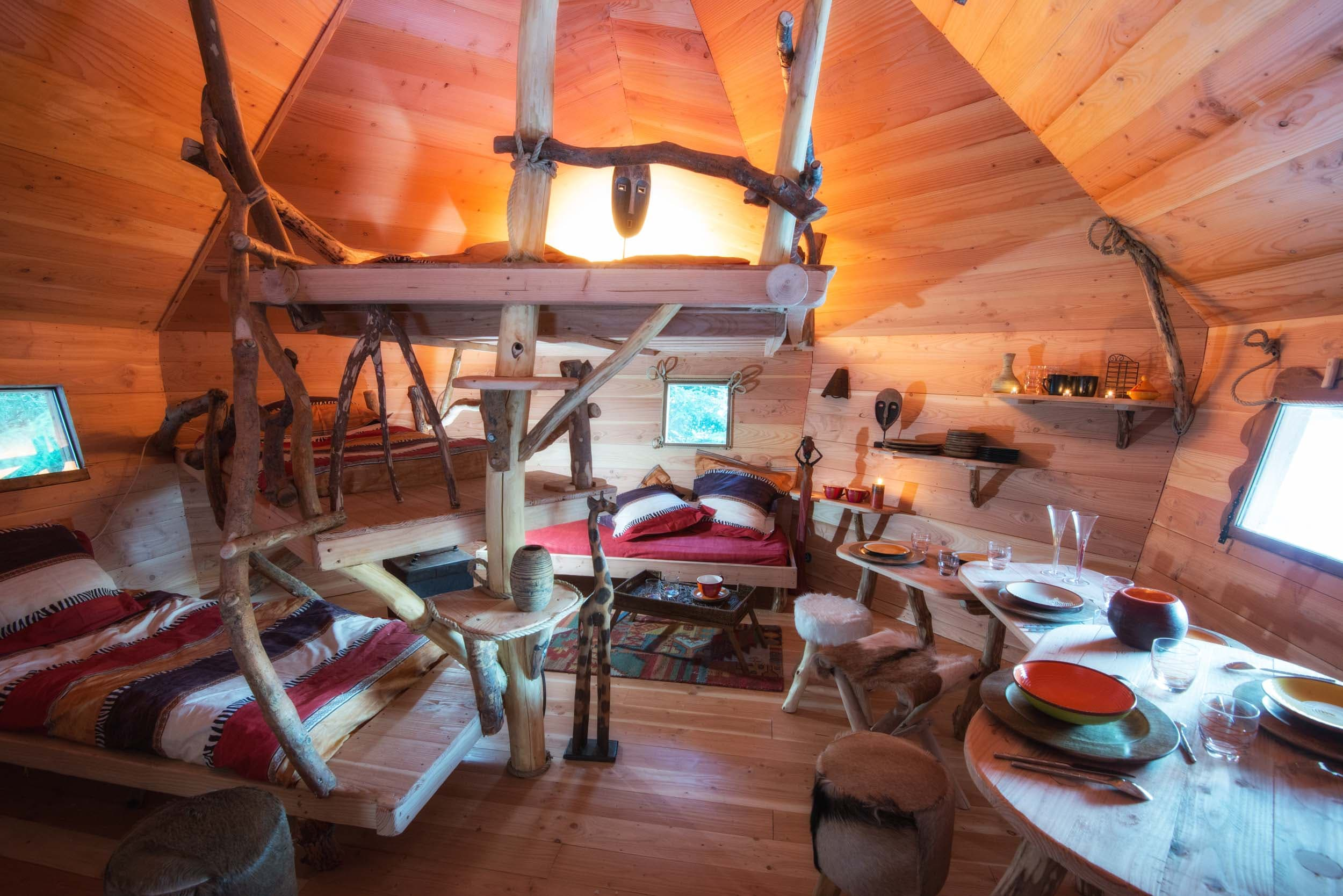 maison dans les arbres jura suisse avie home. Black Bedroom Furniture Sets. Home Design Ideas