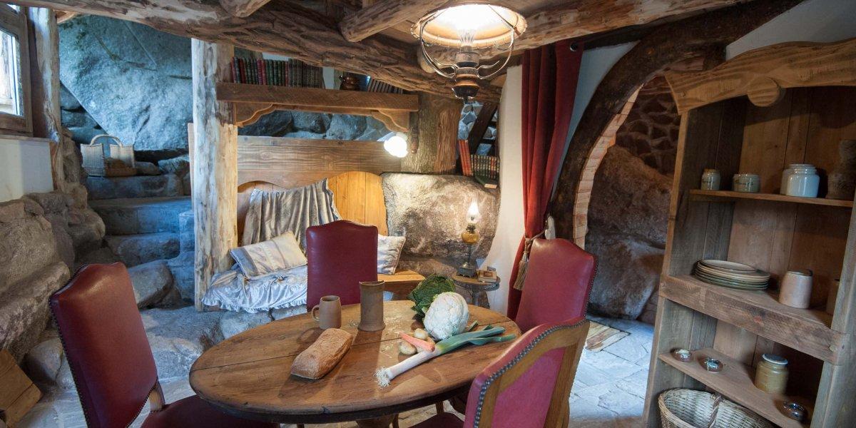 Cabane Hobbit la maison du hobbit : la cabane insolite dans les vosges par bol d'air