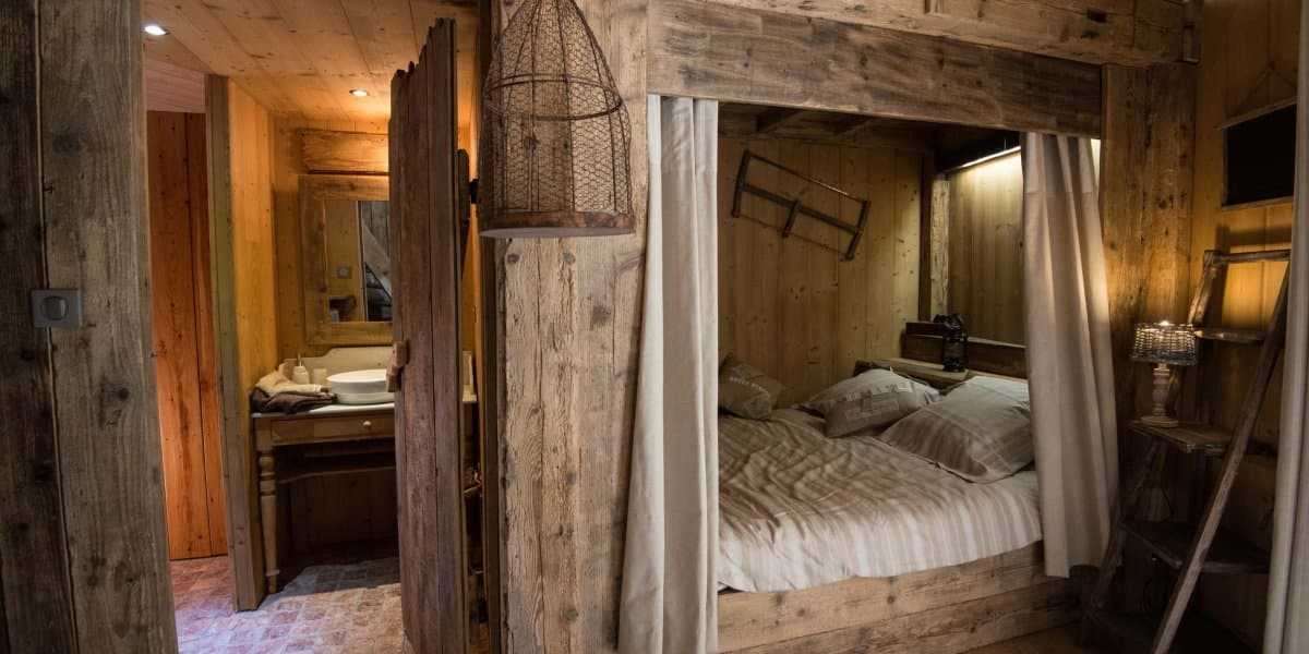 cabane en bois vosges. Black Bedroom Furniture Sets. Home Design Ideas